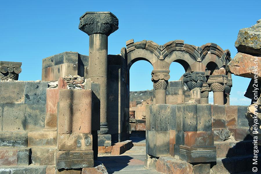 khram-zvartnoc-v-armenii