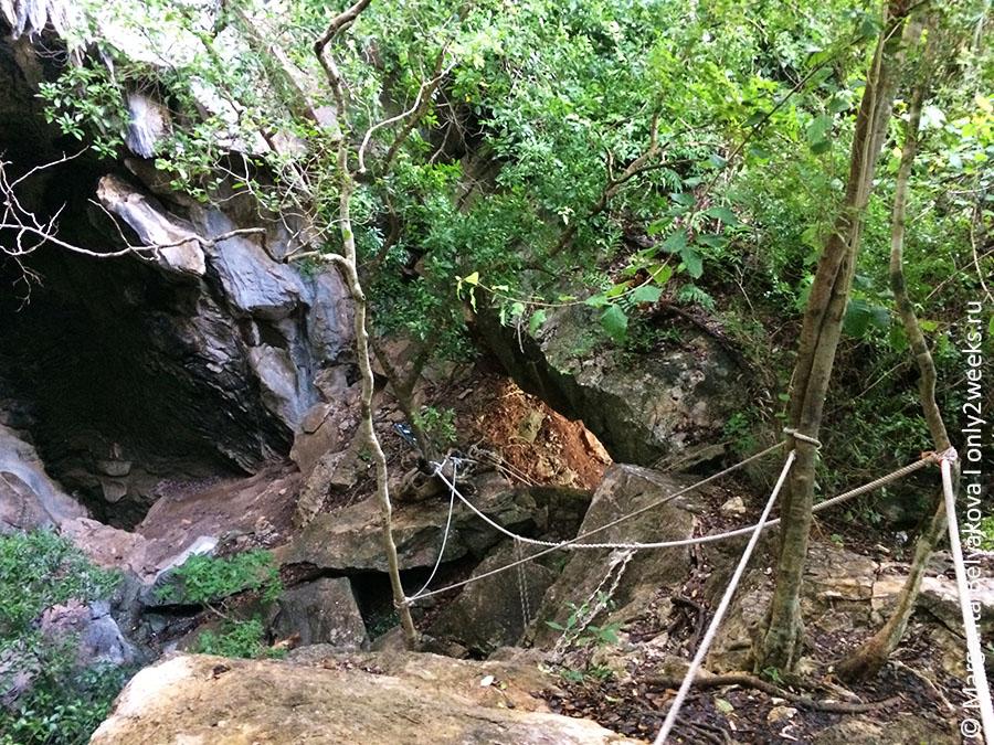 bua-bok-cave-wua-talap