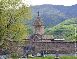 monastyr-tatev-armenia-chto posmotret