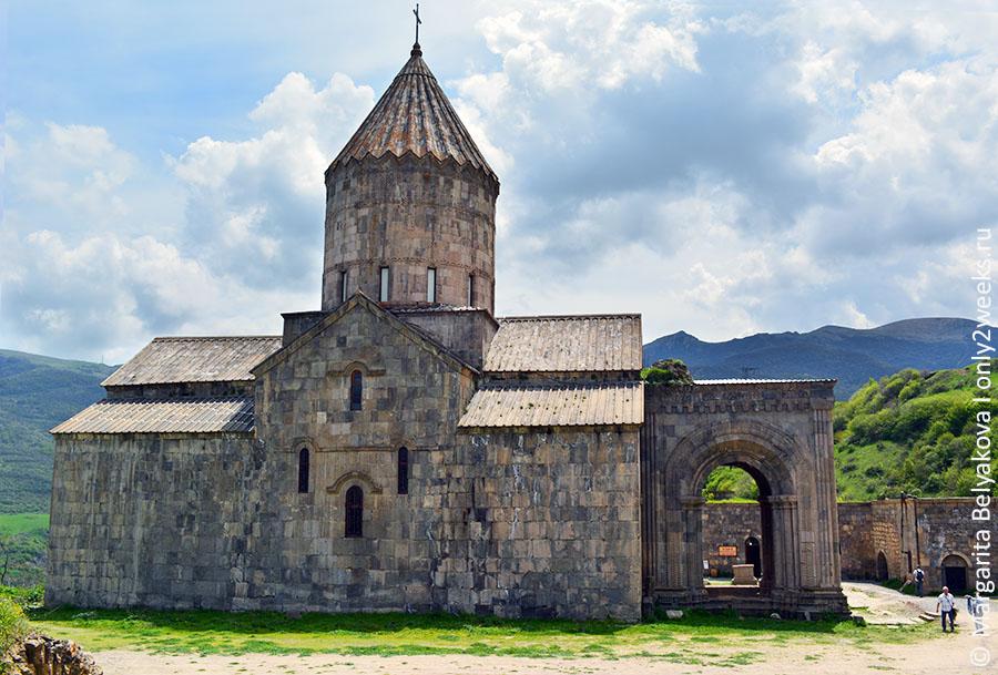 tatev-i-dostoprimechatelnosti-armenii