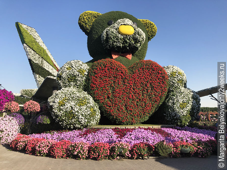 Big-Teddy-bear-dubai-miracle-garden