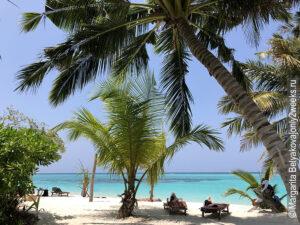 Plyazh-ostrova-Thoddu-foto