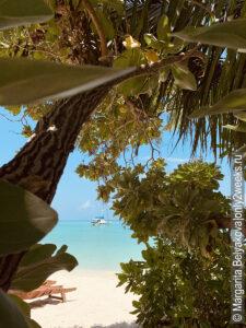 luchshiye-atolly-na-maldivah-dlya-plyazhnogo-otdyha