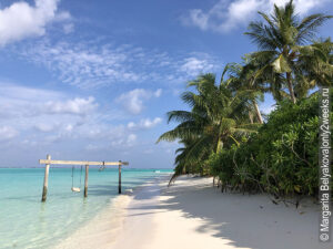bikini-plyazh-maldivy